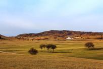乌兰布统秋季草原蒙古包红叶