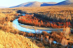 山林冰河红柳