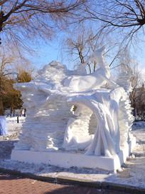 雪雕梅花鹿
