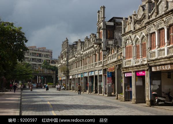 海南文昌文南老街恢宏的骑楼图片