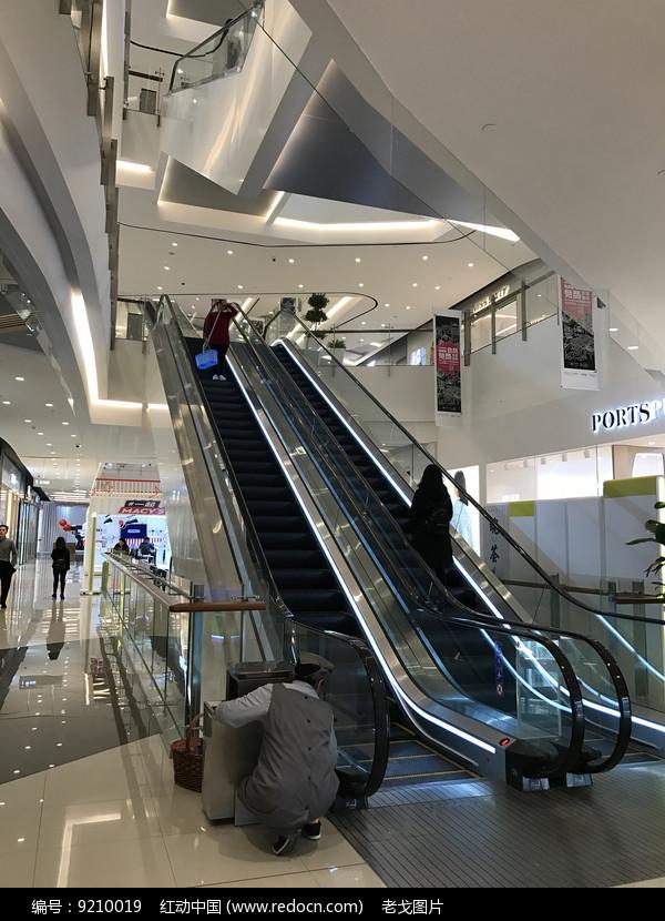 商场自动扶梯图片
