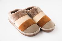 一双防寒保暖鞋