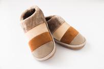 一双时尚保暖鞋