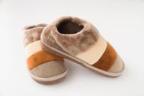 一双新的保暖鞋