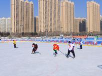 青少年参与冰雪运动