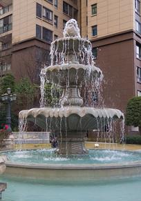 高档住宅小区内的喷泉