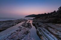 黑排角的礁石海岸
