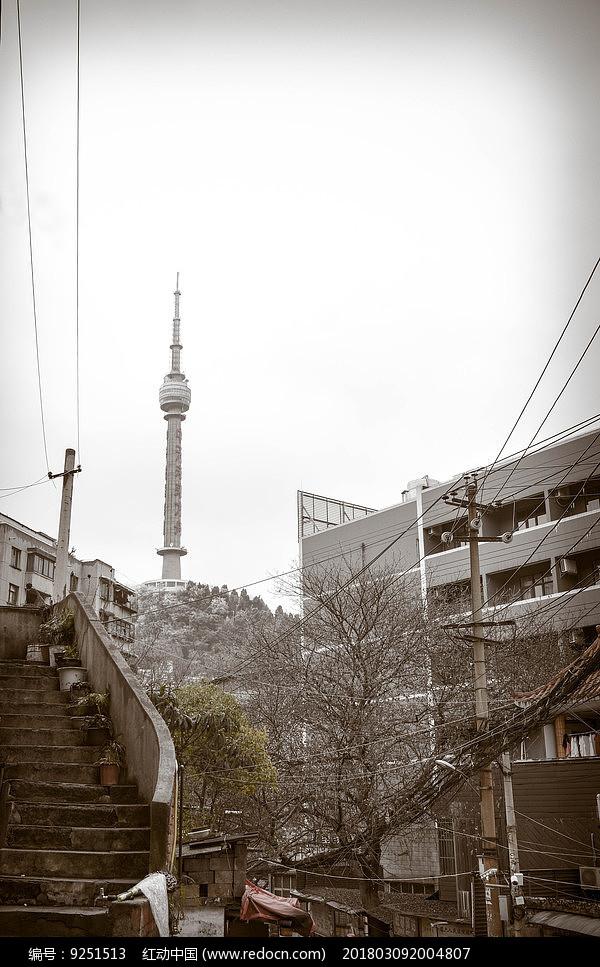 城市灯塔图片