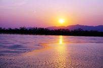 昆明湖上的夕阳