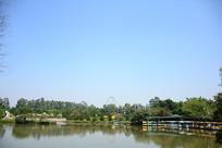 南沙湾湖泊蓝天白云风景拍摄