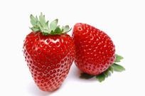 两颗诱人熟透的草莓