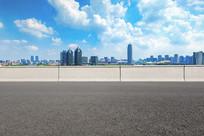 沥青道路前景和郑东CBD风光