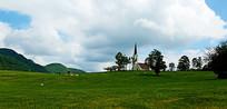 草原上的教堂