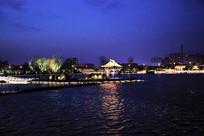 大明湖夜色