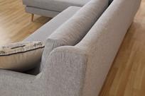 美丽的亚麻长沙发侧面
