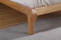 美丽的实木大床床脚