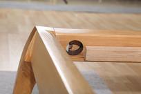 美丽的实木大床内角细节