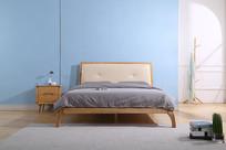 美丽的实木大床正面