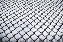 白雪铁丝网