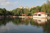 丰台花园湖景