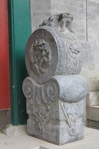 石雕麒麟图案鼓形门墩
