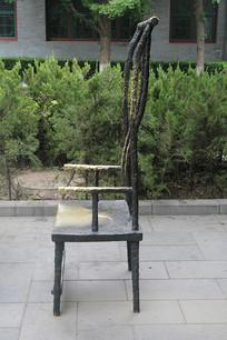 铜雕长背椅子