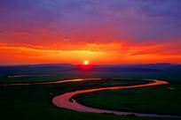 额尔古纳河牧场落日