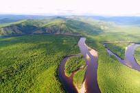 航拍大兴安岭原始森林河流