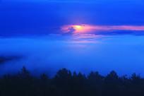 山林云海日出