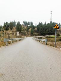 乡村公路交叉路