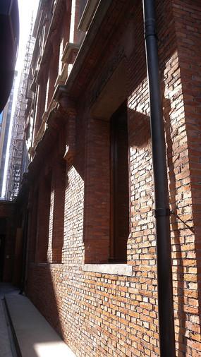 圆明园公寓红砖墙