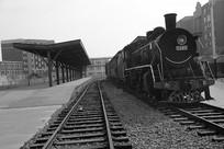 黑白上海滩老火车