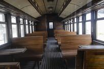 怀旧老火车内部