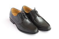 一双商务男鞋