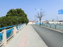 城市道路交通人行道路面摄影