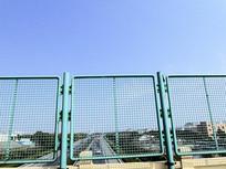 高速公路桥梁铁护栏摄影