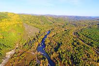 航拍茂密森林河湾