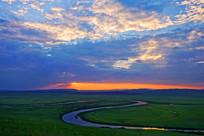 牧场彩云之河