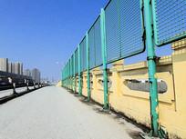 铁路公路护栏栅栏高清摄影图