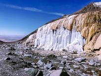 蓝天下的冰川