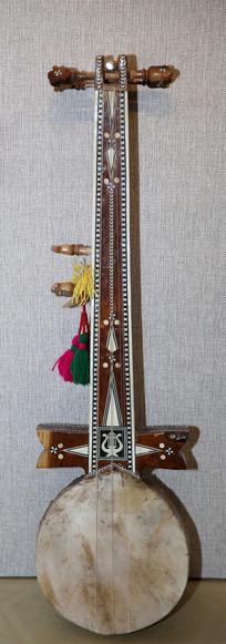 热瓦甫乐器