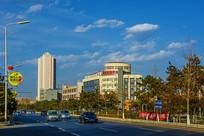 秦皇岛市燕大门前公路与建筑