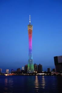 色彩缤纷的广州塔夜景