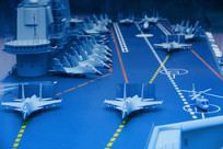 航空母舰舰载机甲板