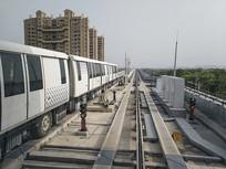 银白色列车