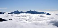 四姑娘山二峰顶的云海