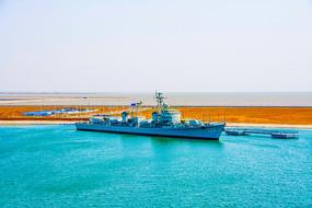 海上重庆号巡洋舰俯瞰图