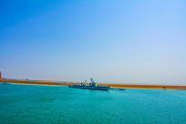 海上重庆舰远景俯视图