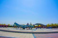 泰达航母公园广场与战斗机展品