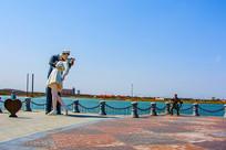海军水手与和平之吻雕像广场